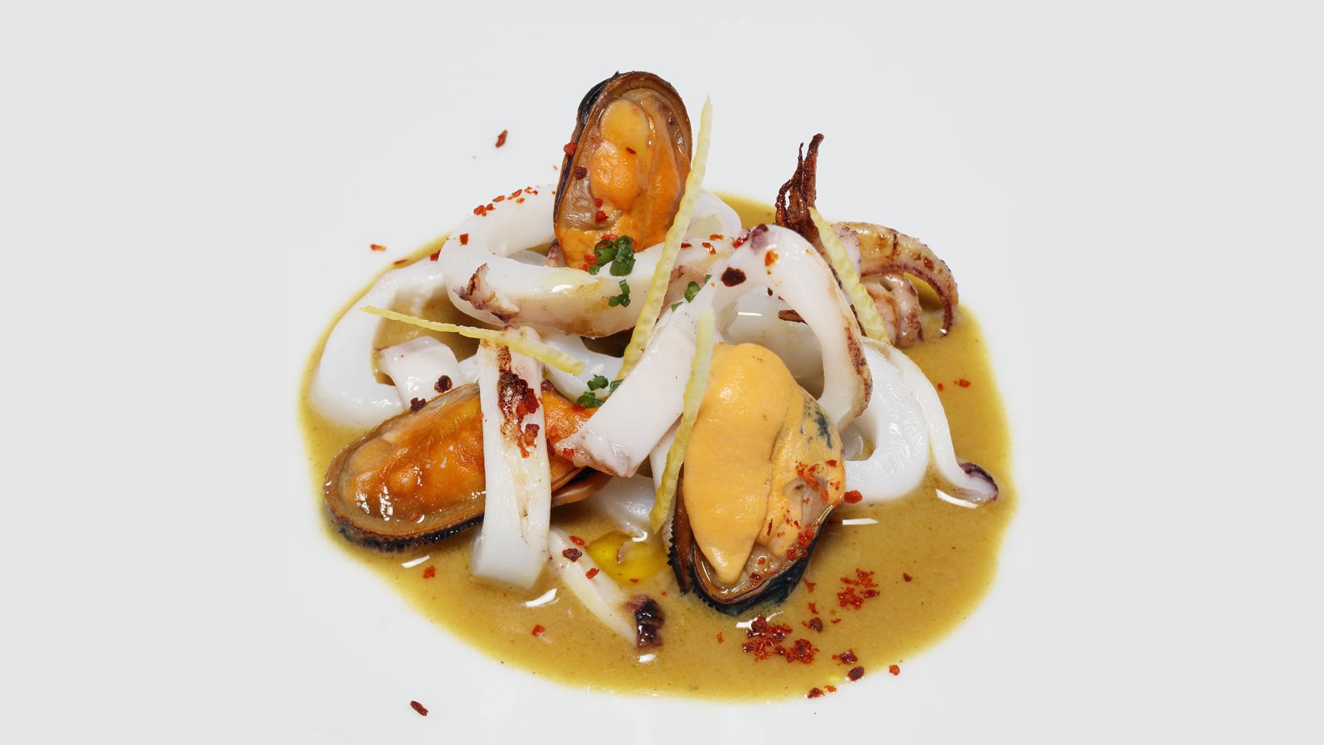 Mejillón y calamar
